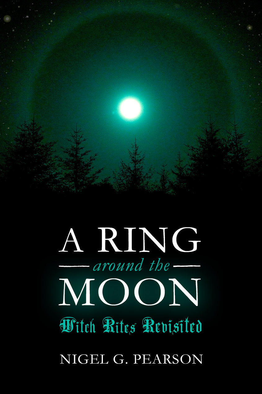 A Ring Around The Moon - Nigel G. Pearson - Paperback